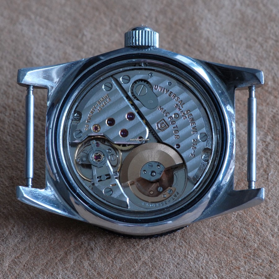 Universal Genève Polerouter Sub Red Cross - movement caliber 218-2