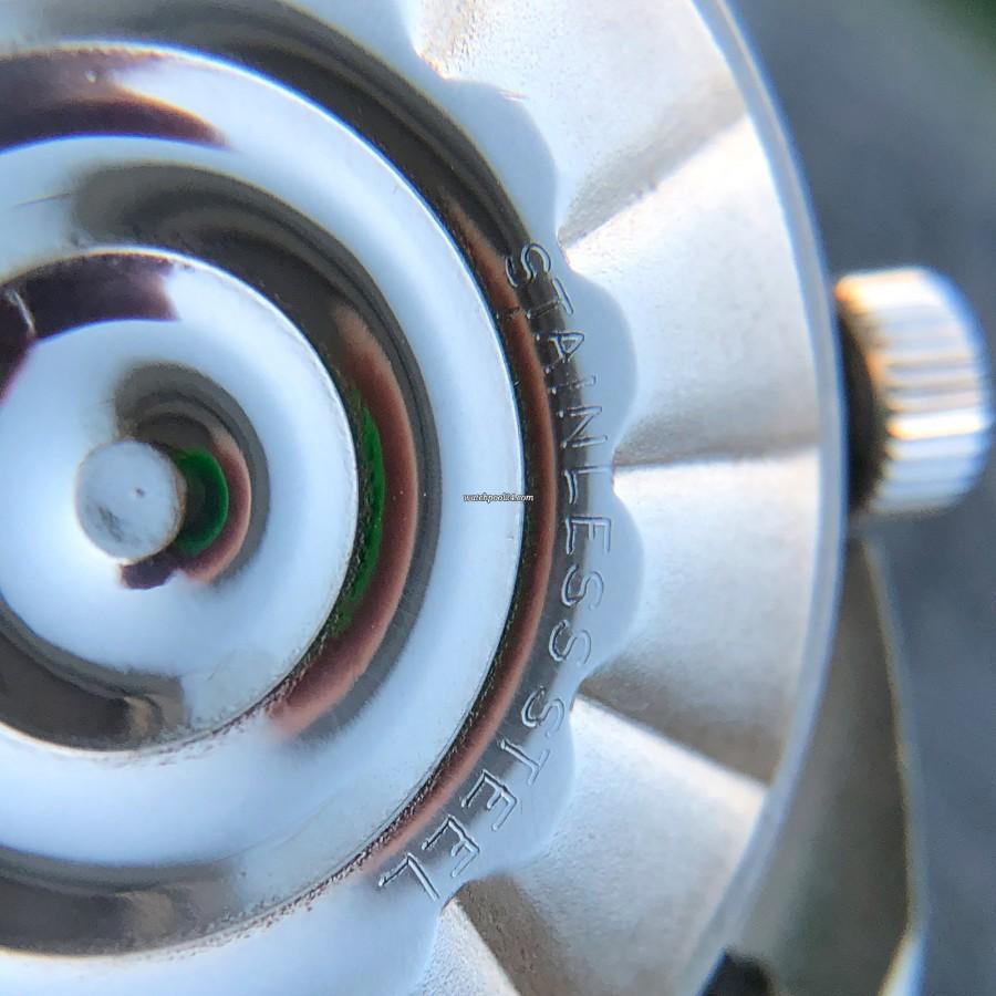 LeCoultre Memovox E 870 Polaris II - Gehäuseboden in makellosem Zustand