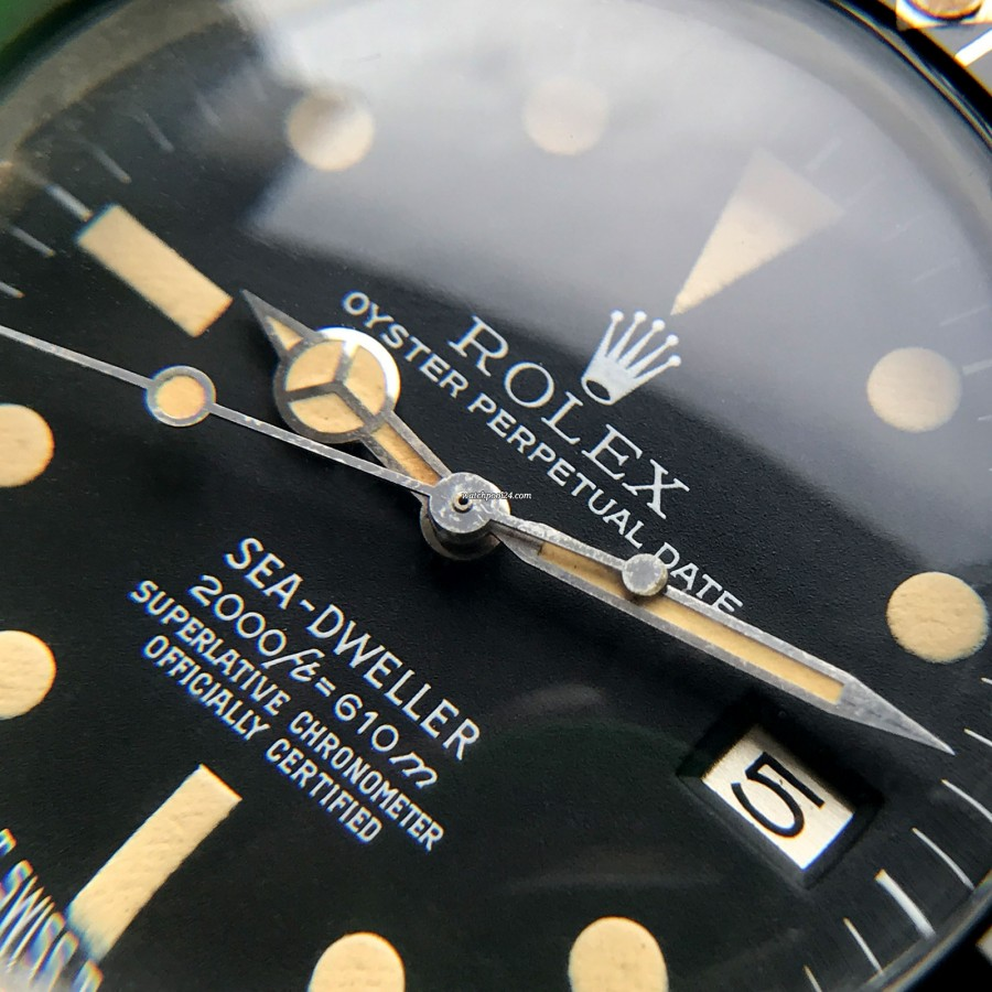 Rolex Sea-Dweller 1665 Rail Dial - Box and Papers - beautiful creamy lume matching in hour markers and hands