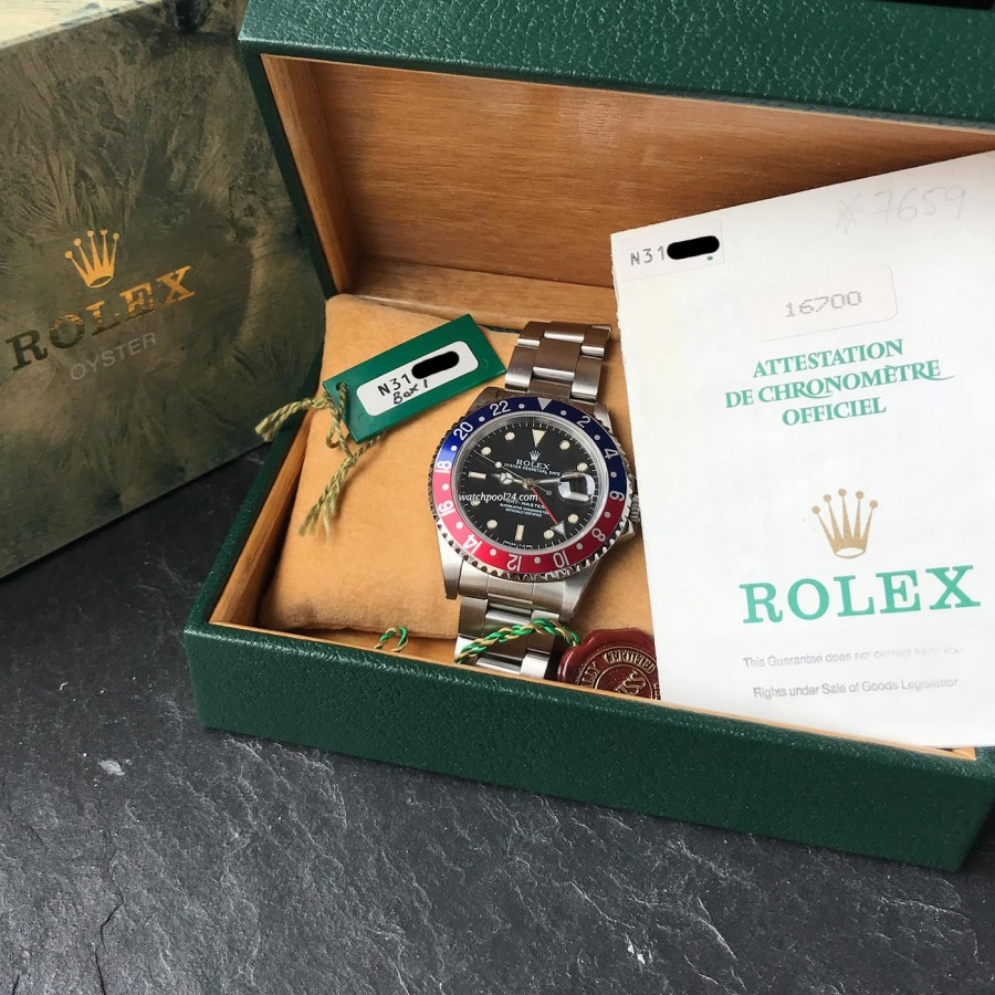 Rolex GMT Master 16700 Pepsi Bezel - GMT-Master 16700 with box and papers