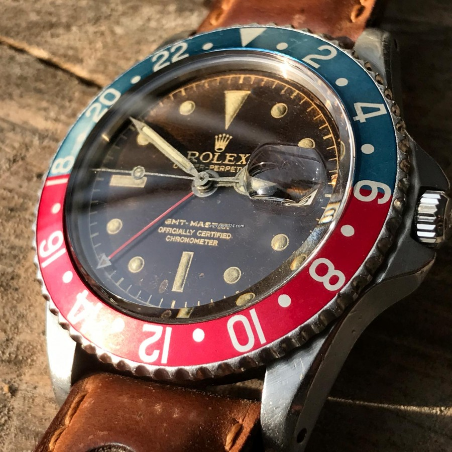 Rolex GMT Master 1675 Tropical OCC Full Set - the tropical dial makes this GMT a unique piece