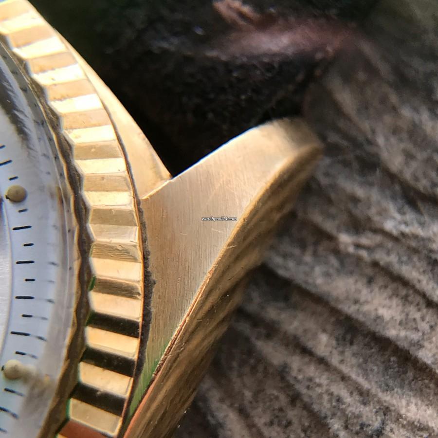 Rolex Datejust 1601 Step Dial - Papers - goldene geriffelte Lünette, goldenem Bandanstoß