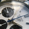 Heuer Autavia 73663 Siffert Color - der blaue Chronograph-Zeiger, Stunden- und Minutenzeiger