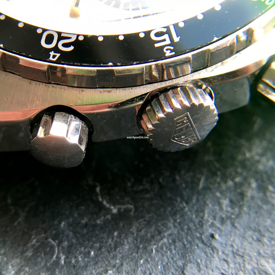 Heuer Autavia 73663 Siffert Color - scharfe Linien und Kanten