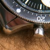 Zenith A277 Diver - bevelled edges of the lugs