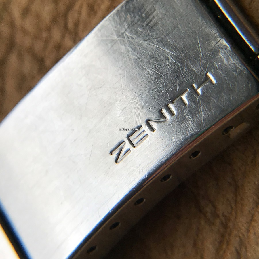 Zenith A277 Diver - Zenith signed clasp
