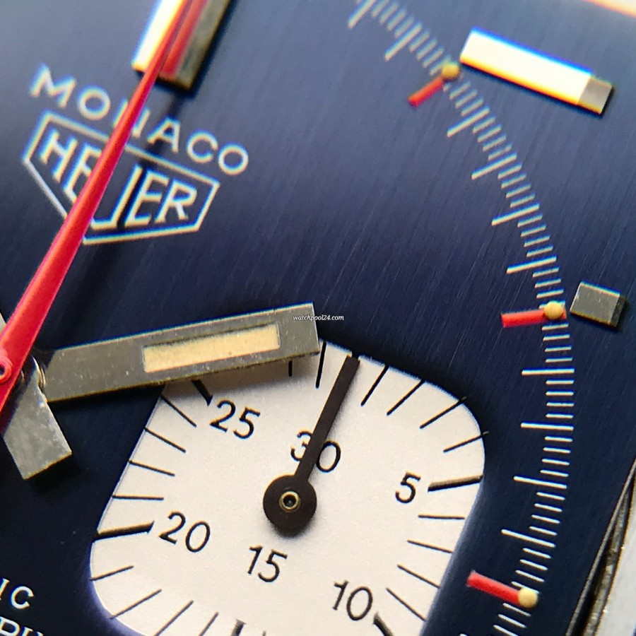 Heuer Monaco 1133B Transitional NOS - creamy tritium lume in the hour hand is fully intakt