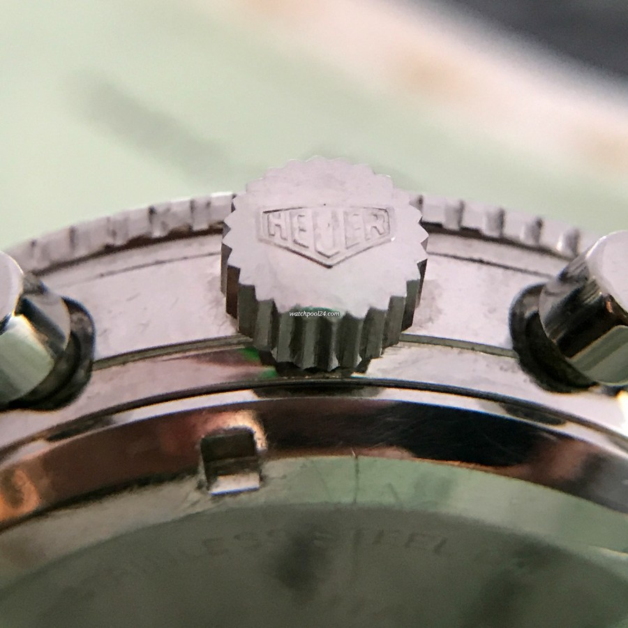 Heuer Autavia 2446 2nd Execution Dial - big Heuer signed crown