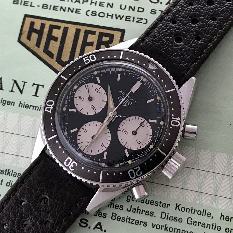 Heuer Autavia 2446 2nd Execution Dial - matching creamy tritium lume in hour markers and hands