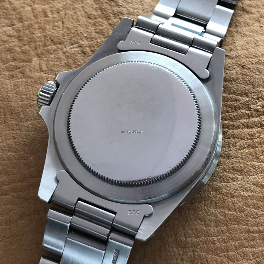 Rolex Submariner 5513 Punched Papers - screw-down case back