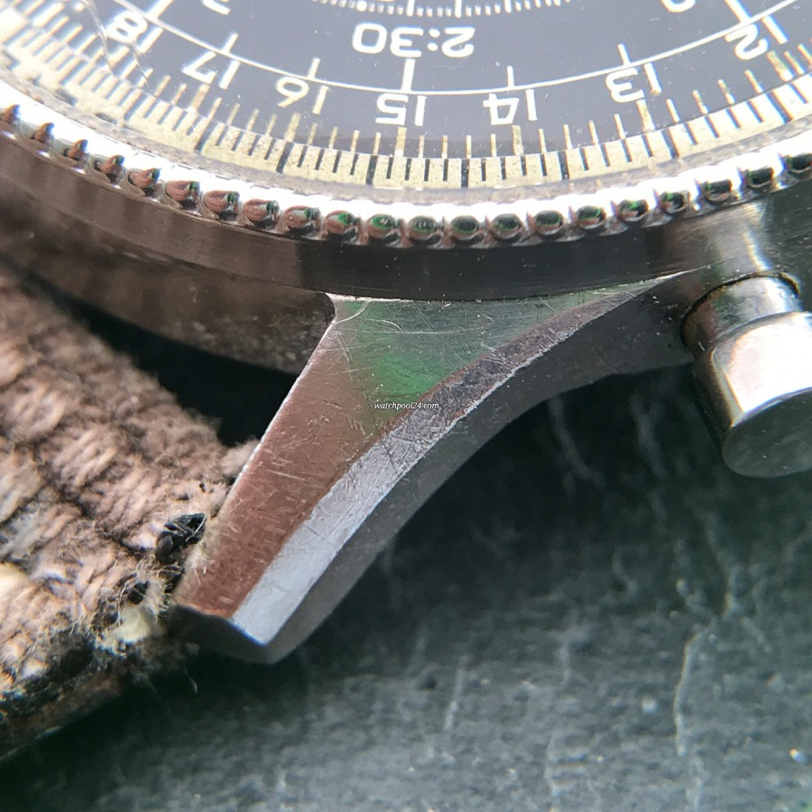 Breitling Navitimer 806 - unpolished case with little signs of wear