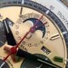 Universal Genève Tri-Compax 181102 - Guilloche-Hilfszifferblatt mit Mondphase, Datumsring, rote Zeiger
