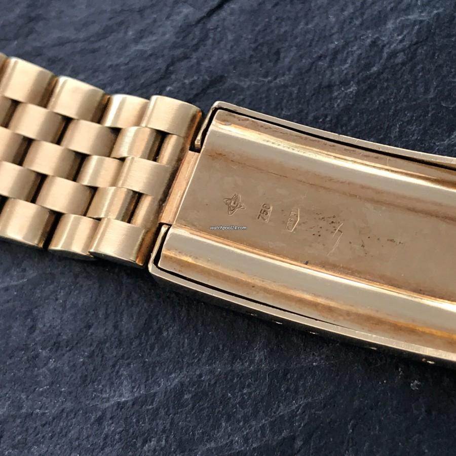 Universal Genève Tri-Compax 181102 - Goldpunzen auf der Schließe