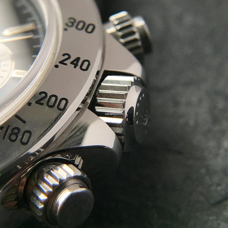 Rolex Daytona 16520 NOS Full Set - the triplock crown and the chrono pushers