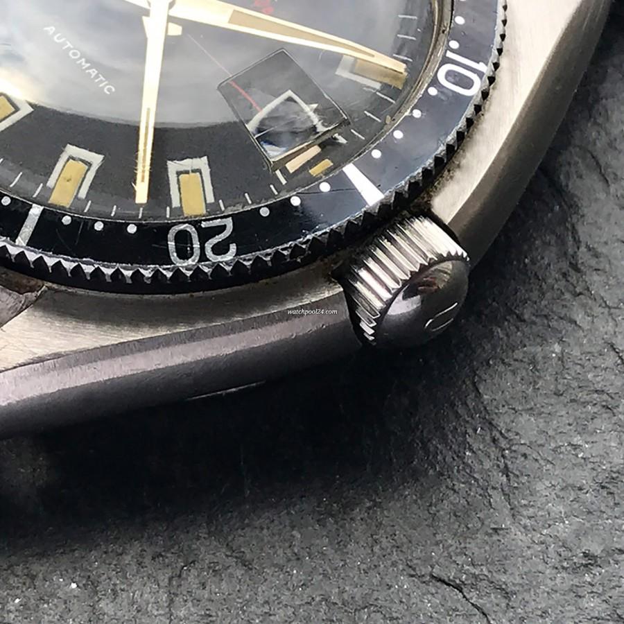 Universal Genève Polerouter Sub 869116/02 - signierte, verschraubte Krone