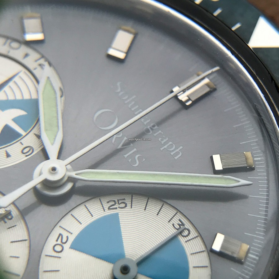 Heuer Orvis Solunagraph 2446SF - perfect lume in the hands