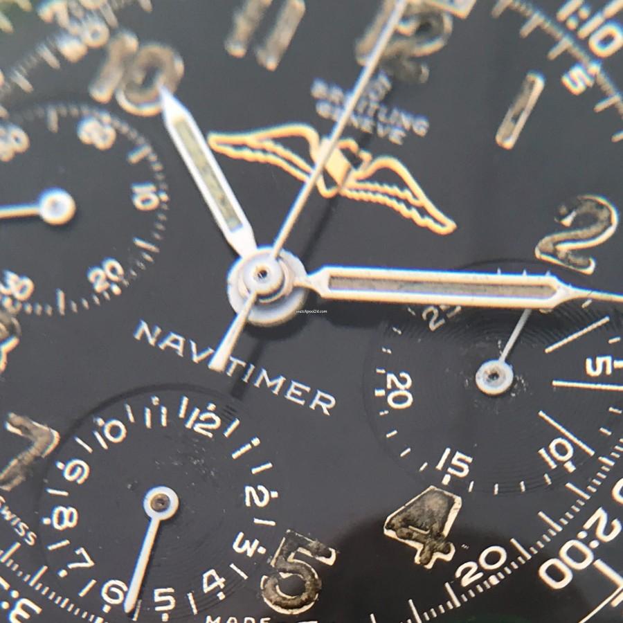 Breitling Navitimer 806 All Black - die Aufschrift NAVITIMER ist vollkommen intakt