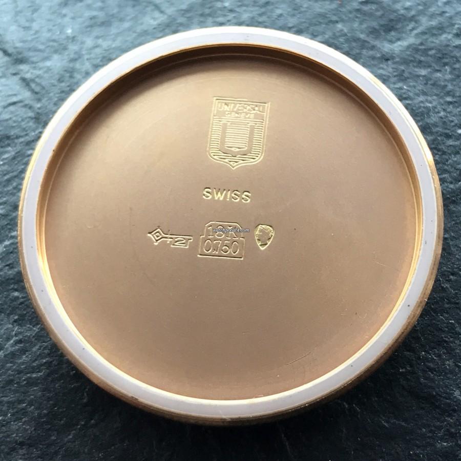 Universal Genève Polerouter Date 104503-2 Rotgold - Gravierungen im Gehäusedeckel