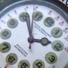 Nivada Grenchen Depthomatic Skin Diver - das cremefarbene Zifferblatt mit wunderschöner Patina