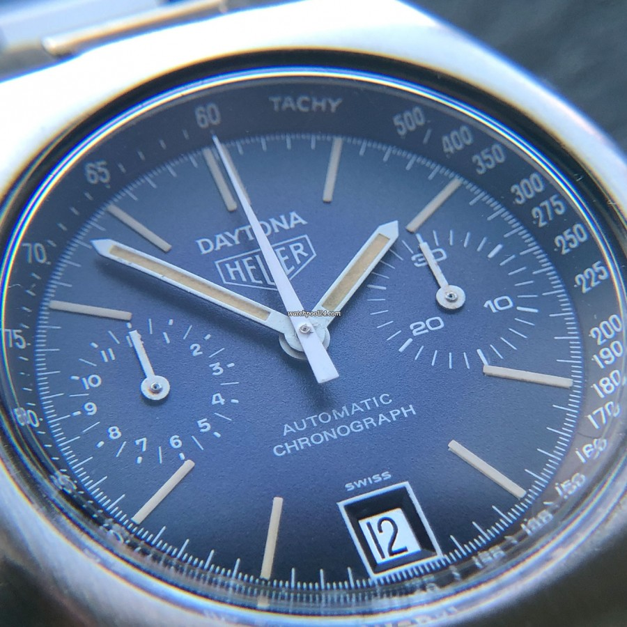 Heuer Daytona 110.203B - tachymeter scale on the outer track of the dial