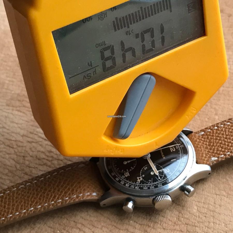 Wittnauer Chronograph Valjoux 71 Radium Lume - Radium detection with the Geiger counter