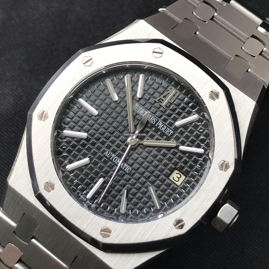 Audemars Piguet Royal Oak 15300ST Full Set - fine mechanical quality, reliability and revolutionary design