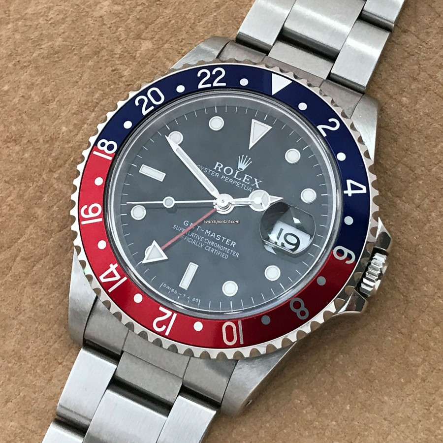 Rolex GMT Master 16700 Full Set - a perfectly preserved Rolex GMT Master with a high collector's value