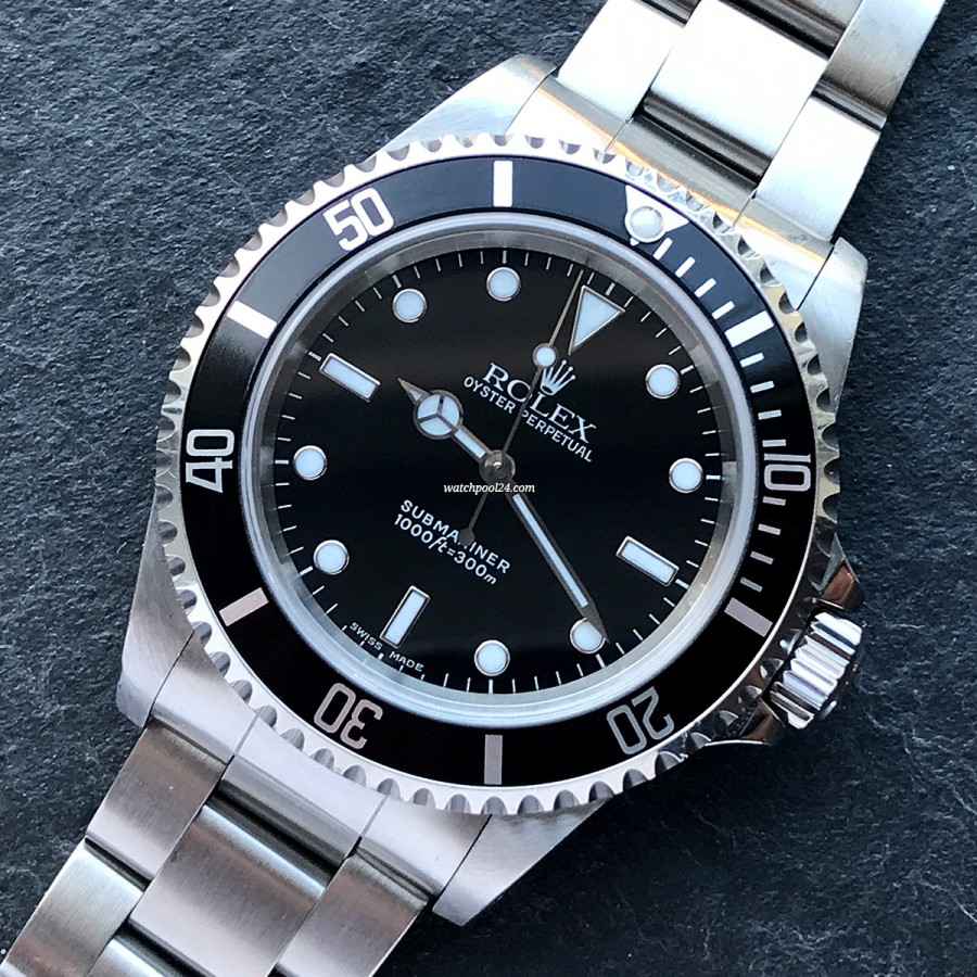 Rolex Submariner 14060 Full Set - a gorgeous no-date Submariner from 1998