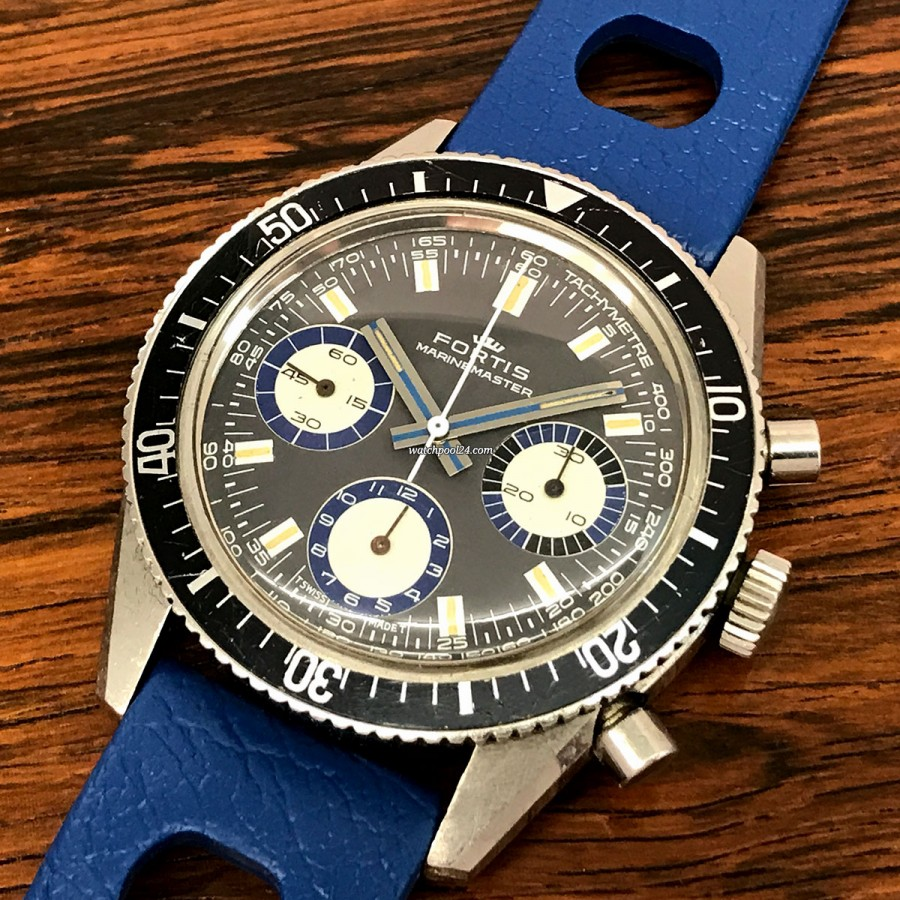 Fortis Marinemaster 8001 Black Blue Dial - a rare 70s chrono with Valjoux 72 movement