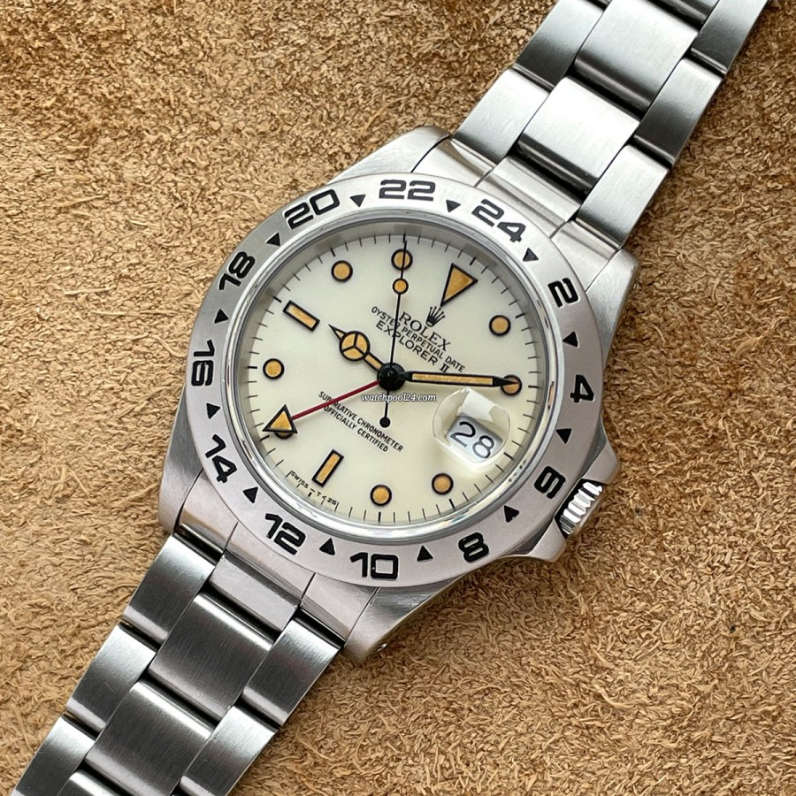 Rolex Explorer II 16550 Creamy Lume - rare transitional reference with a beautiful look